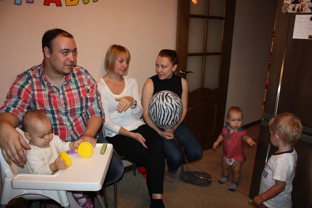 Гости на день рождения Мики: Жора, Таня, Юля